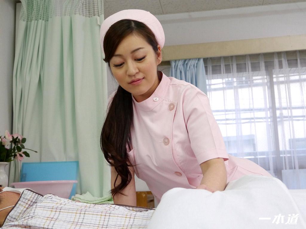 Đi khám mà gặp được em y tá như thế này thì còn gì bằng - Phần 2